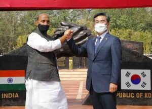 Raksha Mantri Rajnath Singh and Minister of Defence of Republic of Korea Suh Wook jointly inaugurating the India-Korea Friendship Park at Delhi Cantonment, on Friday, 26 March 2021. Mr Suh Wook is in New Delhi for bilateral talks on Defence Cooperation.